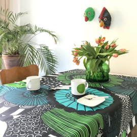 Acryl coated tablecloth Siirtolapuutarha green blue (per unit of 50 cm)