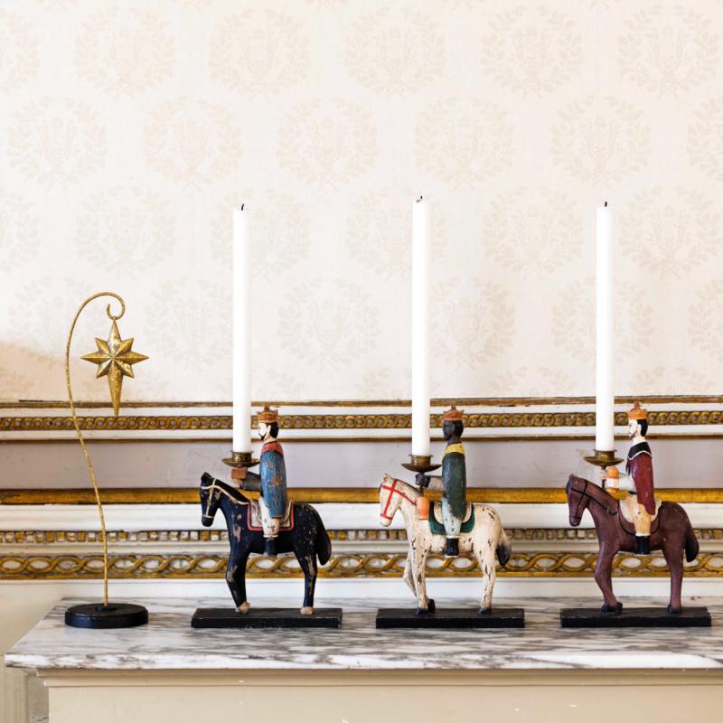 Bungalow KERST Drie Koningen, set van 3 houten kandelaars van de koningen te paard