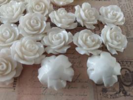 REZA   resin flower bead   18mm   WIT 25 stuks D11