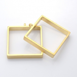L201 FRAME | Square Pendant | Golden matte 39mm 07MG