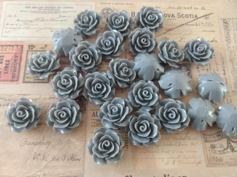 REZA | resin flower bead | 18mm | GRIJS 25 stuks D08
