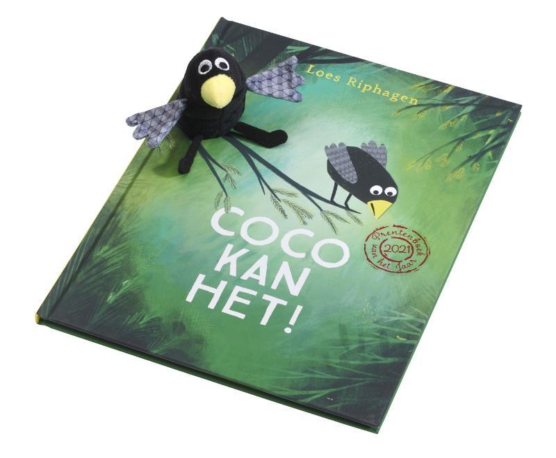 Coco kan het boek met vingerpopje