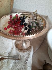 Antiek setje glazen besjes, druiven en kersen