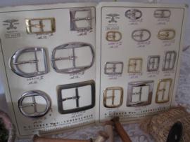 Kaarten met gespen   M1003