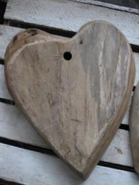 Groot houten hart om op te hangen   N3593
