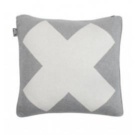 Grijs kussen met wit X
