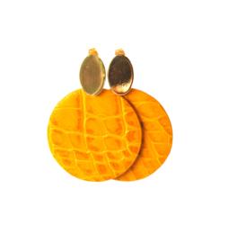 Oorbellen met hanger geel leer en oorsteker goldplated