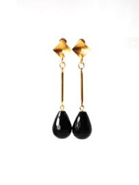 oorbellen met onyx en oorsteker