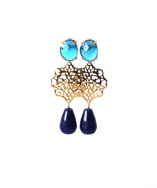 Oorbellen met cateye oorsteker en druppel agaat blauw
