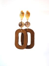 Oorbellen met rookkwarts en velvet hanger goudbruin