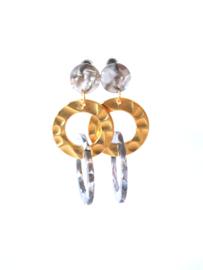 Oorbellen resin grijs en ring goud