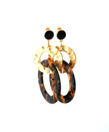 Oorbellen leopard print, zwarte oorsteker en goldplated, gouden ring