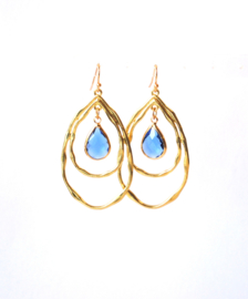Oorbellen met goldplated hanger en crystal blauw
