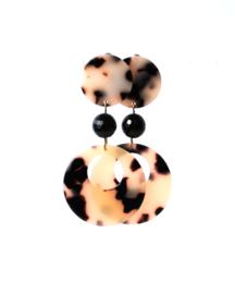 Oorbellen met tortoise shell print en onyx