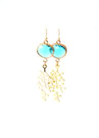 Oorbellen met crystal blauw en hanger goldplated ⭥ 6 cm
