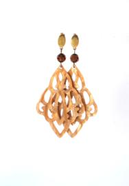 Oorbellen met swarovski crystal bruin en hanger resin