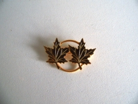 Speld met maple leaf (Art.15-3577)
