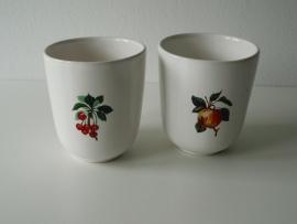 Twee bekers fruit (Art.13-8951)