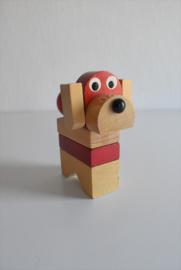 Houten stapeltoren hond jaren 70 (Art.21-1981)