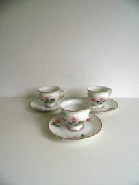 3 kleine koffiekopjes van Königl pr.Tettau (Art.18-1419)