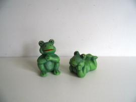 Twee beeldjes kikker (Art.15-1154)