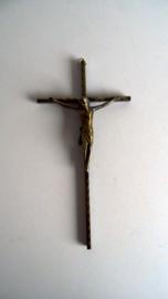 Kruisbeeld van metaal (Art.20-1455)