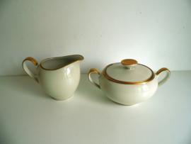 Suiker en melk  jaren 50 Elfenbein porselein (Art.18-1910)