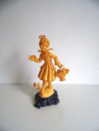 Jaren 60 beeldje Made in Italy( meisje met bloemen mand ) Art.18-1953