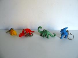 4 oude sleutelhangers dinosaurus jaren 60/70 (Art.18-2108)