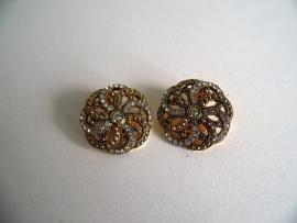Oude  oorclips met steentjes (Art.16-2221)