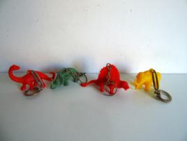4 oude sleutelhangers dinosaurus jaren 60/70 (Art.18-2109)