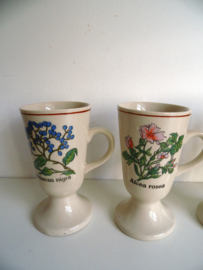 4 Koffiebekers jaren 70 (Art.17-1985)