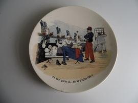 """Vintage sierbord """"Mon Regiment"""" U & C Sarreguemines nr 4(Art.16-1541)"""