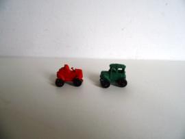Twee miniatuur auto's (Art.17-2256)