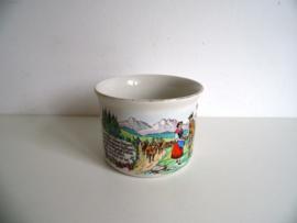 Oude soepbeker uit Oosterijk jaren 60 (Art.19-1032)