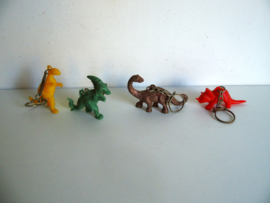 4 oude sleutelhangers dinosaurus jaren 60/70 (Art.18-2110)