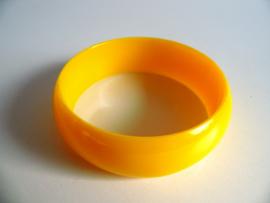 Gele armband jaren 70 (Art.20-1047)