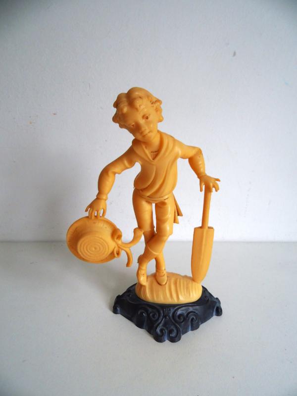 Jaren 60 beeldje Made in Italy( jongen met cricket bat) Art.18-1954