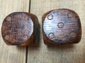 Antieke houte dobbelstenen