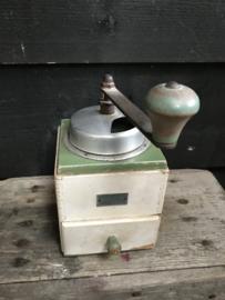 Houten koffiemolen