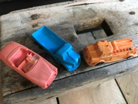 3 oude plastic autootjes