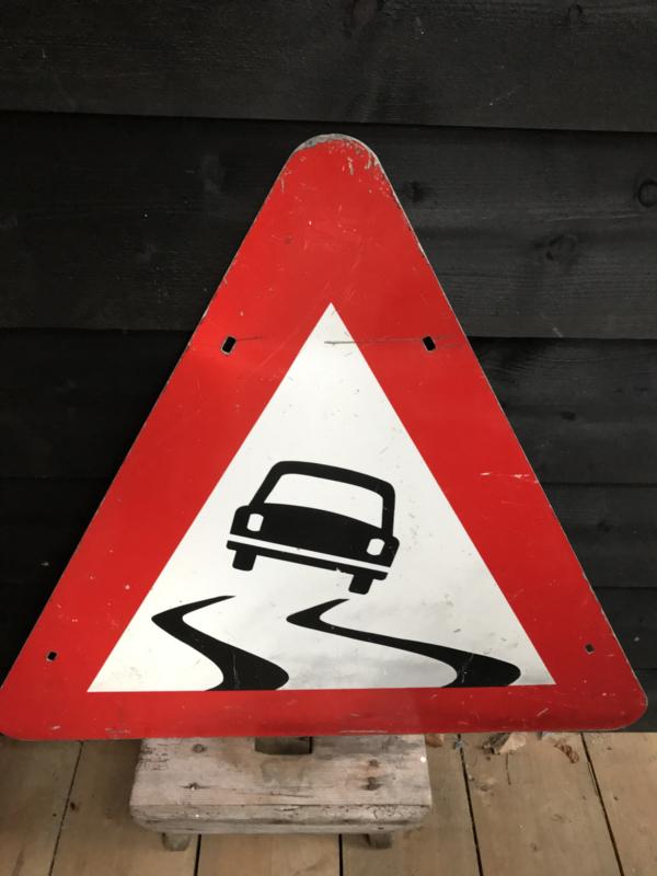 Verkeersbord slipgevaar