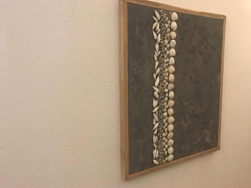 NR 5 Grijs met schelpen steigerhout