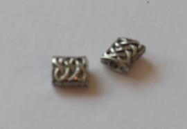 70001 Metalen blokje bewerkt zigzag 10x9 mm