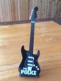 G2016030 The Police decoratie gitaar