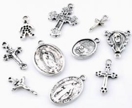 ´09906 Mix metalen kralen en hangers/bedels religieus ± 7-27mm 10 st