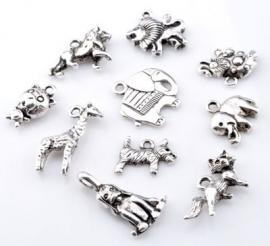 ´09909 Mix metalen kralen en hangers/bedels dieren ± 11-23mm 10 st
