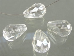 39401 Glaskraal kristal druppel 14x8 mm crystal