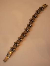 D401 Zwart lederen veter 1,5 mm met zilverkl kralen 7mm en 9 ronde 8mm leermetaal