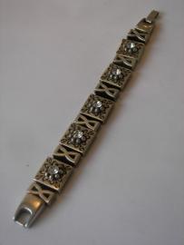 D301 Zwarte veter armband met blok bloem leermetaal met ring en swarovski kristal en trechter glad